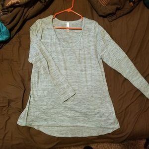 Lularoe long sleeve Lynnae top
